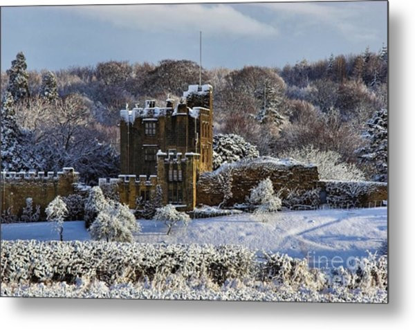 Bothal Castle In Winter Metal Print by Les Bell