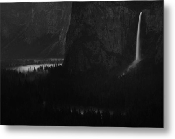 Bridalveil Falls Over Yosemite Valley Metal Print