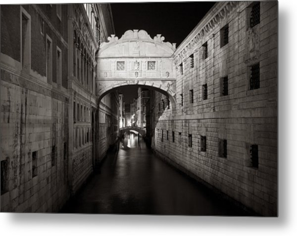 Bridge Of Sighs In The Night Metal Print
