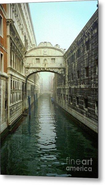 Bridge Of Sighs In Venice Metal Print by Michael Henderson