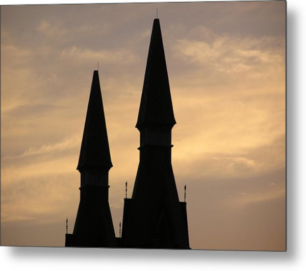 Building Peaks And Sky Metal Print by Richard Mitchell