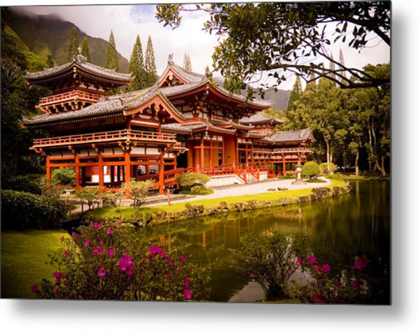 Byodo-in Temple Metal Print