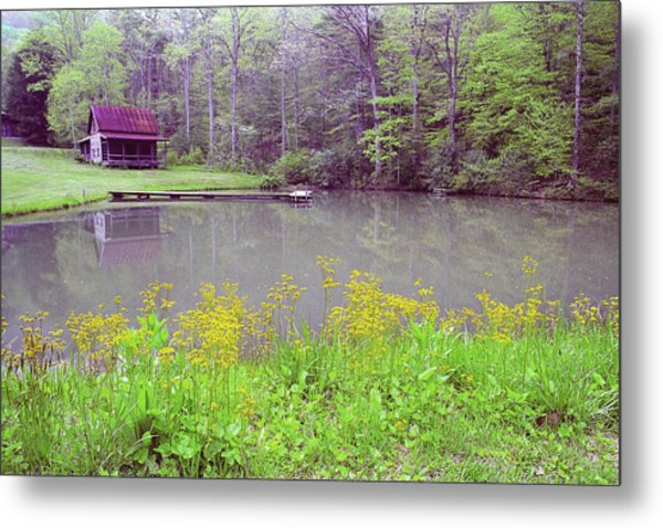 Cabin Reflection Metal Print by Alan Lenk