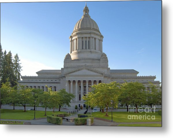 Capitol Building - East Side Metal Print by Larry Keahey