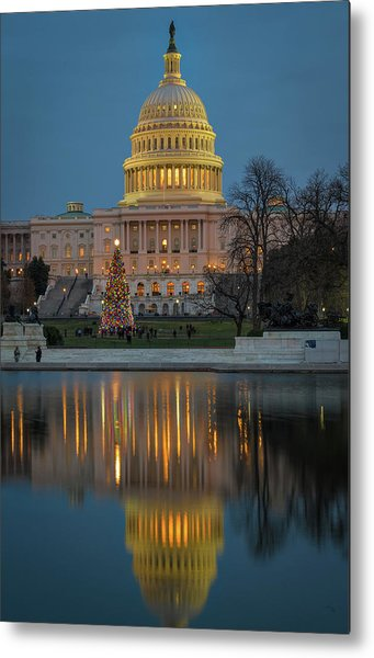 Capitol Reflection At Christmas Metal Print