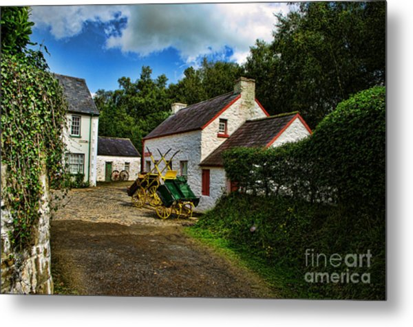 Cartwheel Cottages Metal Print by Kim Shatwell-Irishphotographer