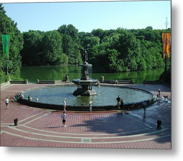 Central Fountain Metal Print