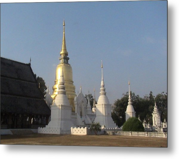 Chang Mai Temple Metal Print by William Thomas
