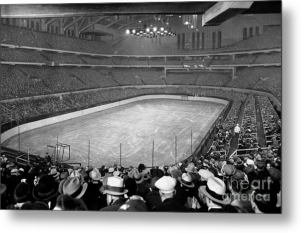 Chicago Stadium Prepared For A Chicago Blackhawks Game Metal Print