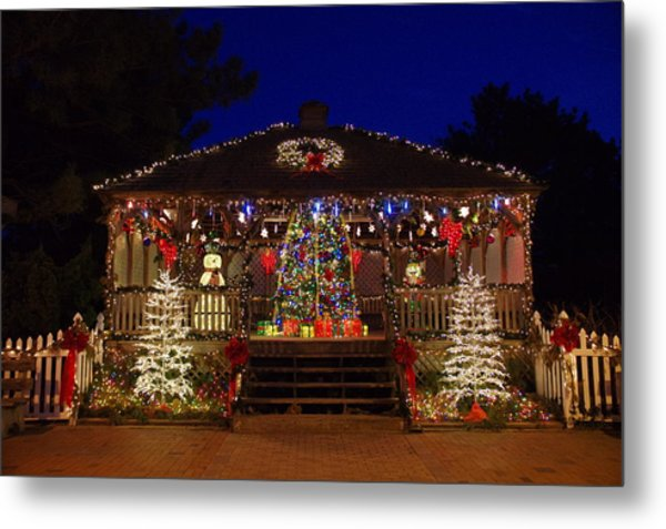 Christmas At The Lighthouse Gazebo Metal Print