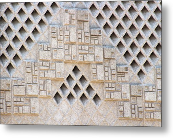 Closeup Of Federal Courthouse Roswell Metal Print