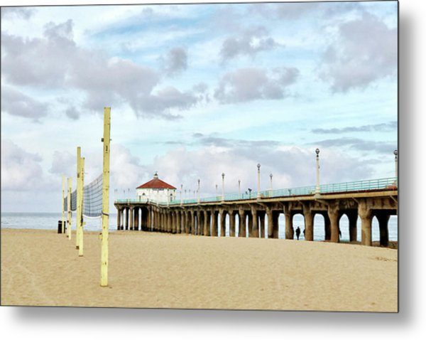 Cloudy Day In Manhattan Beach Metal Print