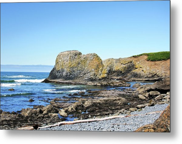 Metal Print featuring the photograph Cobblestone Beach by Bryan Carter