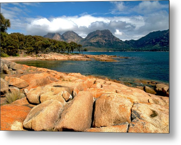 Coles Bay Metal Print by Vern Minard