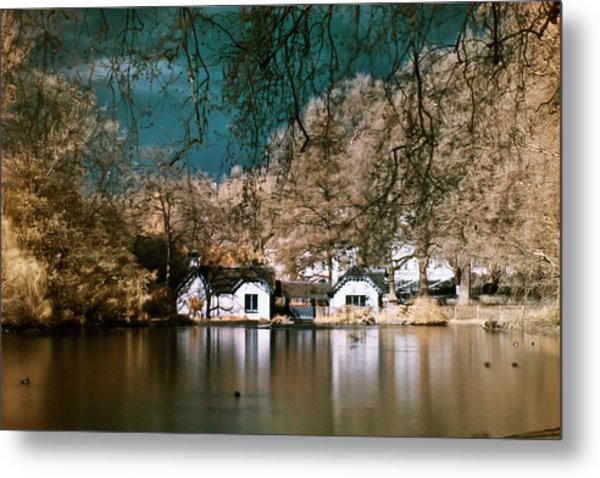 Cottage On The Lake Metal Print