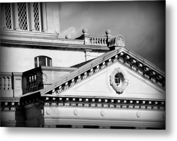 Court In Session Metal Print by Mary Beth Landis