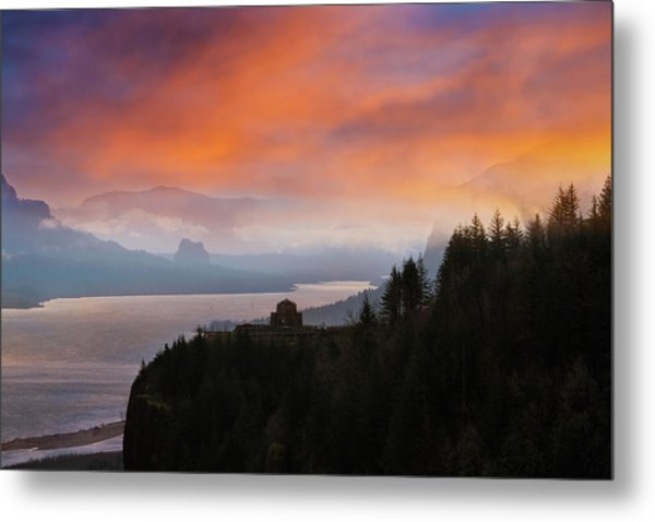 Crown Point At Columbia River Gorge During Sunrise Metal Print