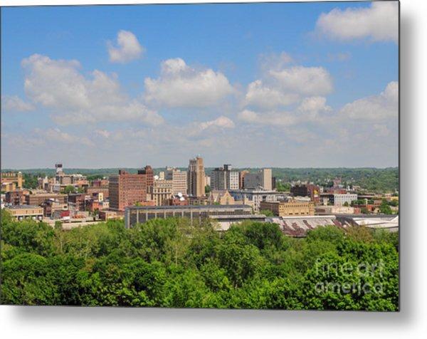 D39u118 Youngstown, Ohio Skyline Photo Metal Print