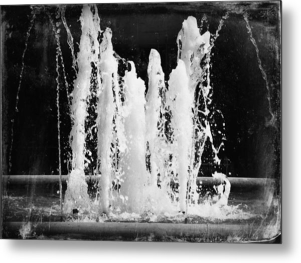 Dancing Waters B/w Metal Print