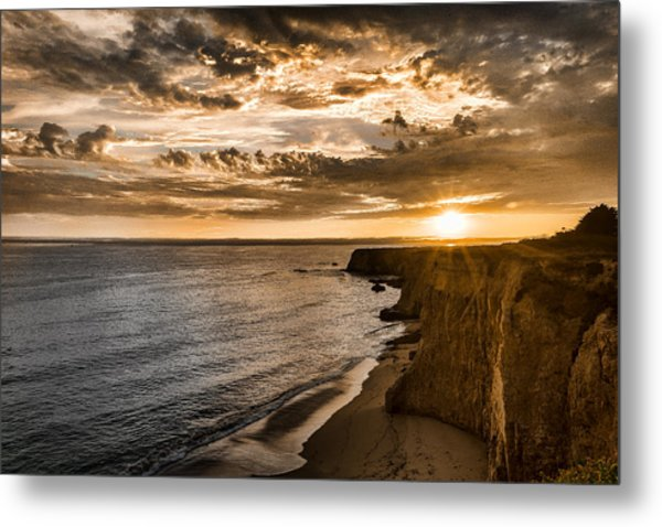 Davenport Cliffs Metal Print