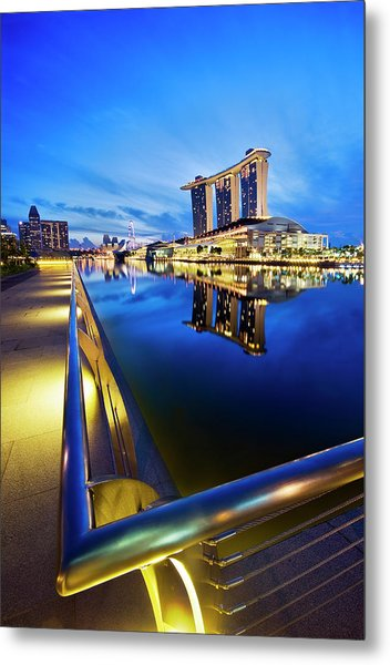 Dawn At Marina Bay Promenade Singapore Metal Print by Ng Hock How