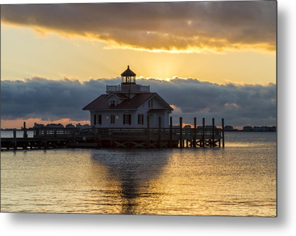 Daybreak Over Roanoke Marshes Lighthouse Metal Print