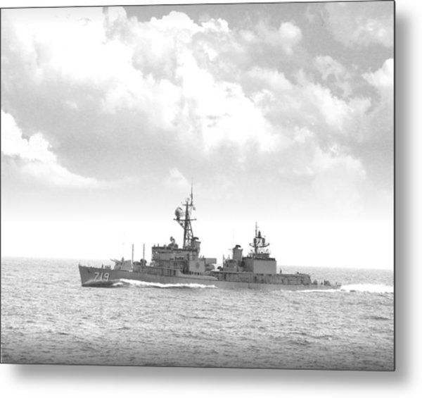 Dd 719 Uss Epperson Metal Print by Mike Ray