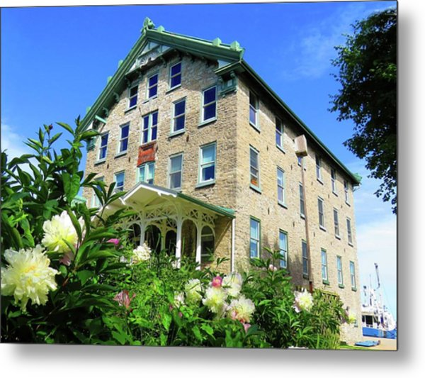 Dec Building Cape Vincent Ny Metal Print