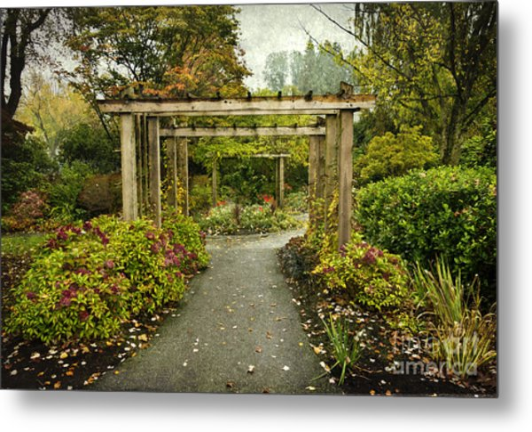 Fall In The Garden At Deer Lake Metal Print