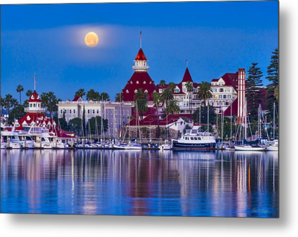Del Moonset Metal Print