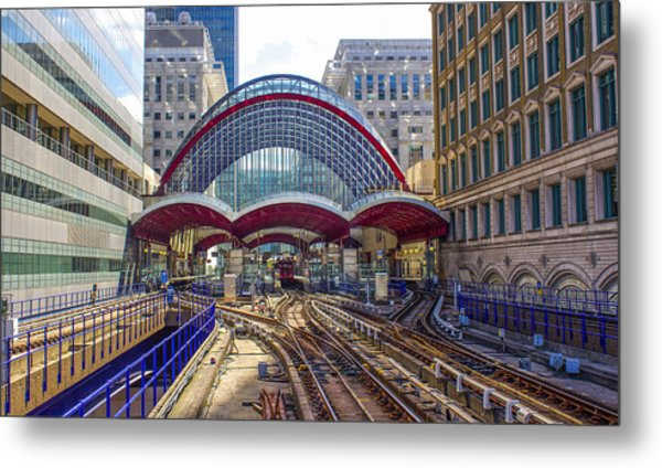 Dlr Canary Wharf And Approaching Train Metal Print
