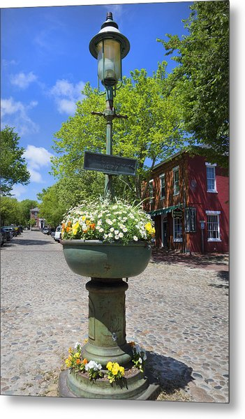 Downtown Nantucket - Garden View 46y Metal Print