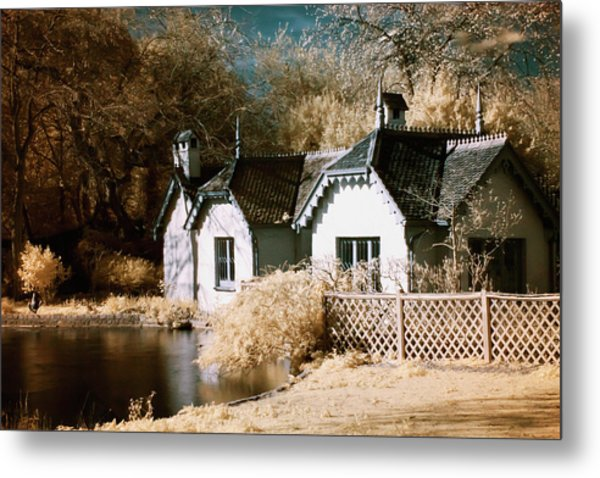 Metal Print featuring the photograph Duck Island Cottage by Helga Novelli
