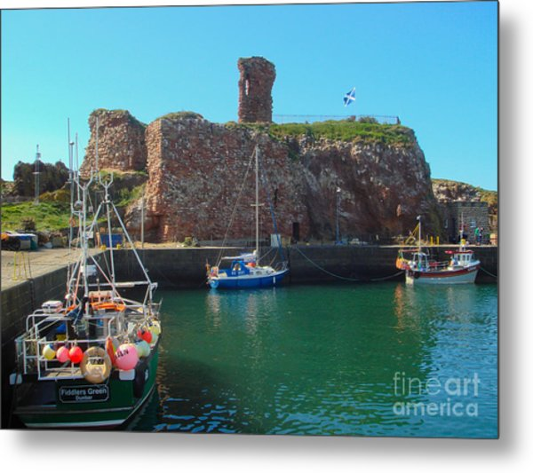 Dunbar Castle And Harbour Metal Print