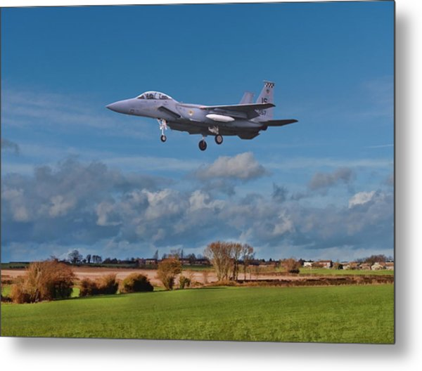 Metal Print featuring the photograph Eagle On Finals by Paul Gulliver