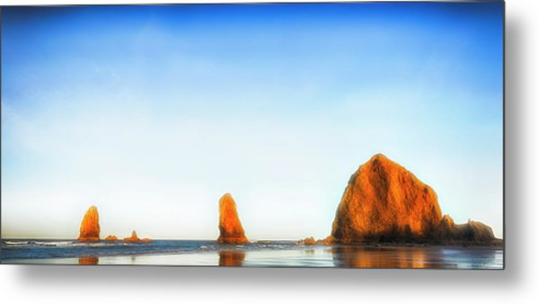 Early Dawn Shores Metal Print
