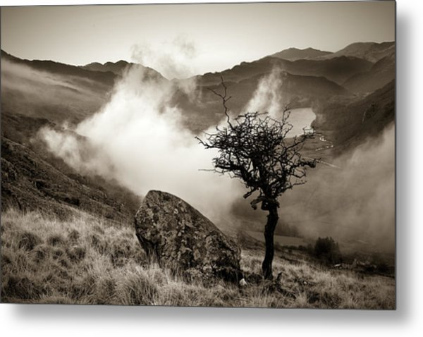 Early Mist, Nant Gwynant Metal Print
