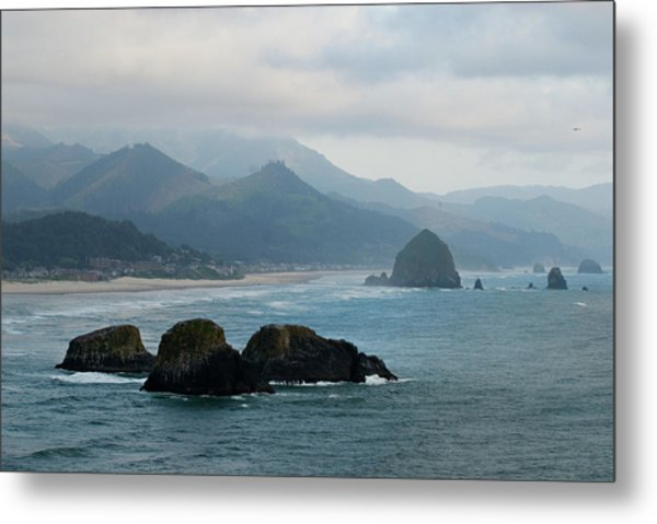 Ecola State Park View Of Haystack Rock And 3 Arch Rocks Metal Print