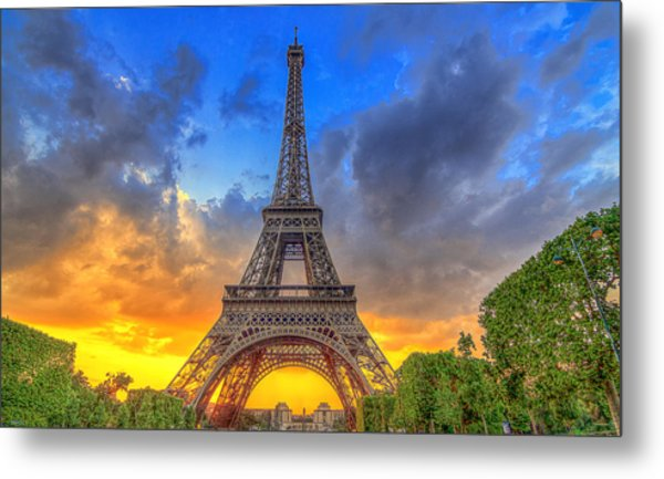 Eiffel Tower Sunset Metal Print