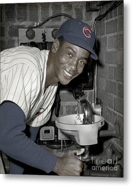Ernie Banks At Cubs Water Fountain Metal Print