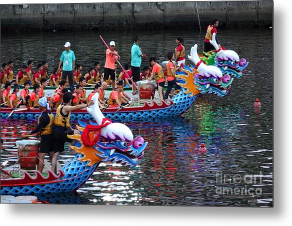 Evening Time Dragon Boat Races In Taiwan Metal Print