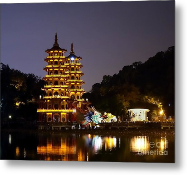 Evening View Of The Dragon And Tiger Pagodas In Taiwan Metal Print