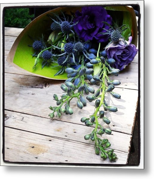 Metal Print featuring the photograph Excellent Customer Service. #flowers by Mr Photojimsf