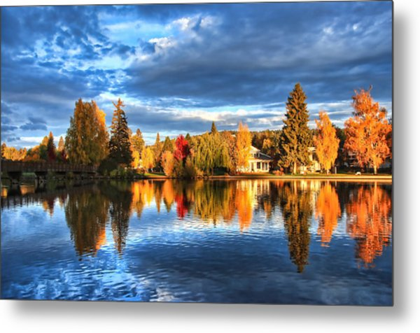 Fall Colors On Mirror Pond - Bend, Oregon Metal Print