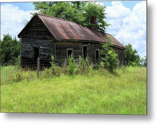 Metal Print featuring the photograph Farmhouse Abandoned by Doug Camara