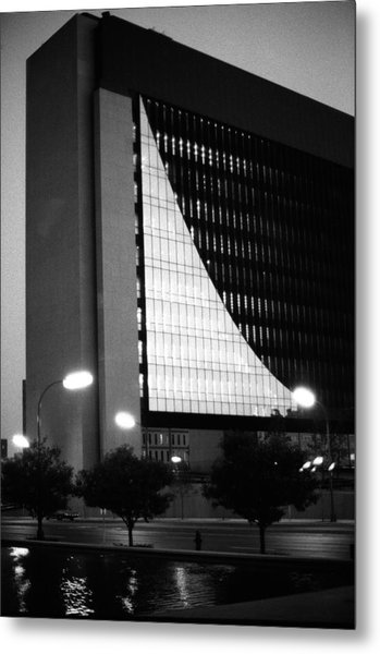 Federal Reserve Building At Twilight Metal Print