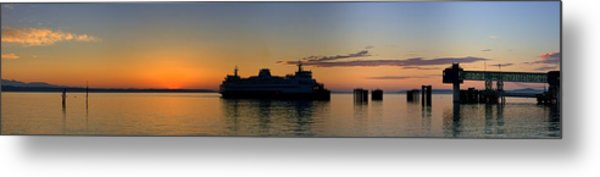 Ferry Boat Arrives To Mukilteo Ferry Terminal Metal Print