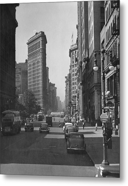 Fifth Ave And The Flatiron Bldg Metal Print by George Marks