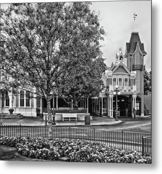 Fire Station Main Street In Black And White Walt Disney World Mp Metal Print