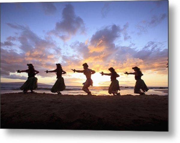 Five Hula Dancers At Sunset At The Beach At Palauea Metal Print